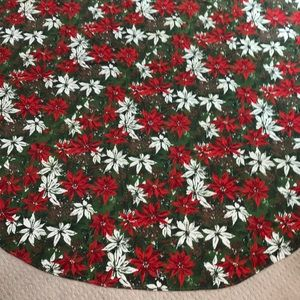 Large round Christmas holiday tablecloth - vintage